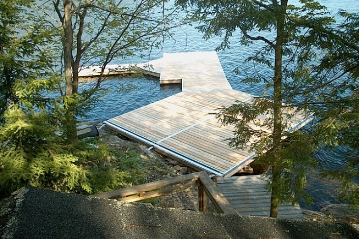 Sudbury Designer Series Pole Dock