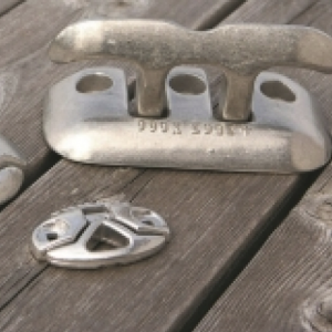 "Flip Up Cleat  8""  [Dock Edge 